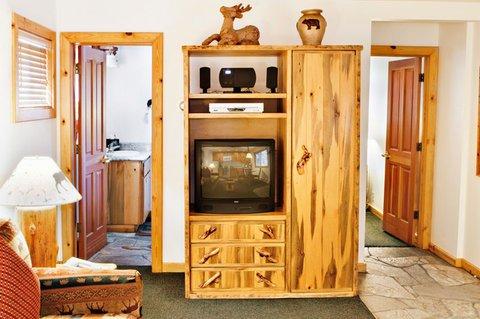 фото Red Wolf Lakeside Lodge 488530662