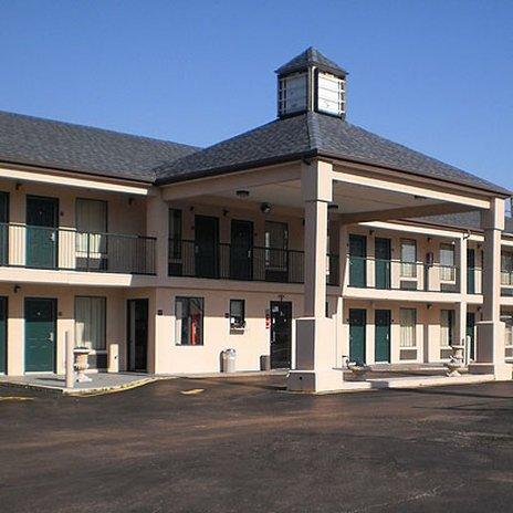 фото Executive Inn & Suites - Covington 488530856
