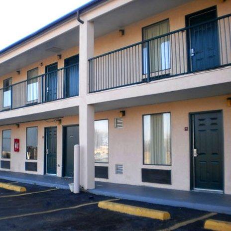 фото Executive Inn & Suites - Covington 488530857