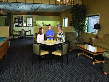 фото Econo Lodge & Suites 488533759