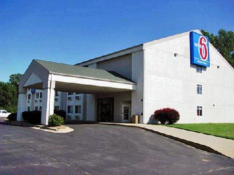 фото Motel 6 Lawrence KS 488534345