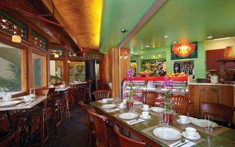 фото Luana Waikiki, an Aqua Boutique Hotel 488537121