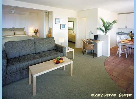 фото Sea View Inn at the Beach 488537309