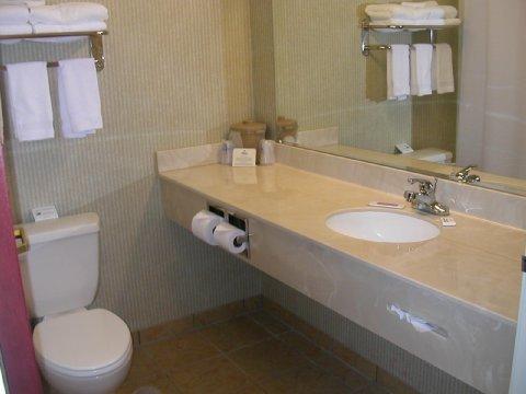 фото Holiday Inn Express Commerce 488538002