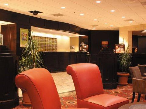 фото La Quinta Inn & Suites Secaucus Meadowlands 488538111