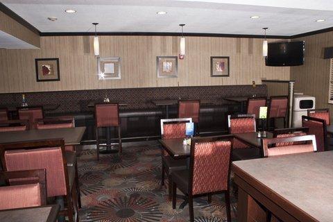 фото Holiday Inn Express Casper-Interstate 25 488540356