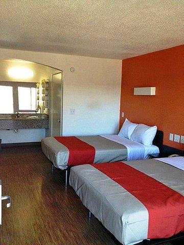 фото Motel 6-Grand Prairie/Arlington 488543324