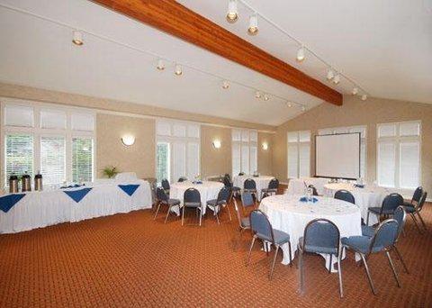 фото Americas Best Value Inn & Suites Half Moon Bay 488543829