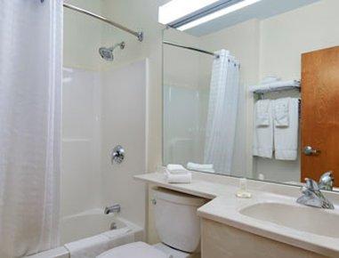 фото Microtel Inn & Suites Plattsburgh 488548791