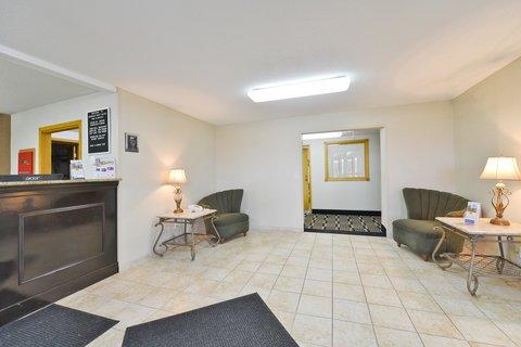 фото Americas Best Value Inn and Suites Bismarck 488549575