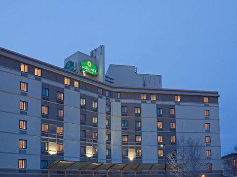 фото La Quinta Inn & Suites Boston Somerville 488555448