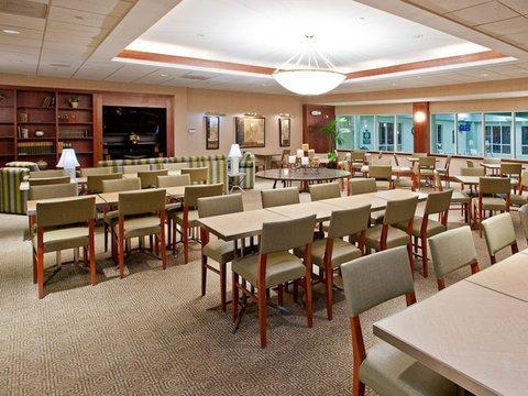 фото La Quinta Inn & Suites Chicago North Shore 488558713