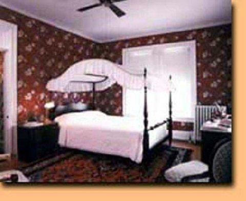 фото Greystone Manor Inn B&B 488561386