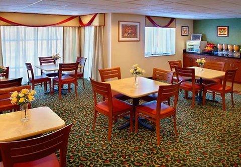 фото Fairfield Inn by Marriott New York LaGuardia Airport/Astoria 488563432