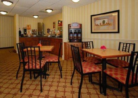 фото Sleep Inn & Suites Wisconsin Rapids 488569835