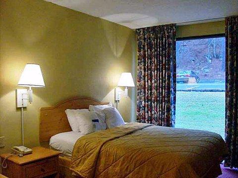 фото Comfort Inn And Suites Atlanta Airport Camp Creek 488571964