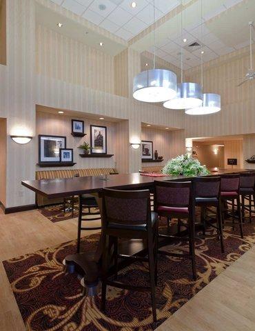 фото Hampton Inn & Suites Holly Springs 488579092