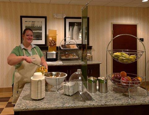 фото Hampton Inn & Suites Holly Springs 488579107