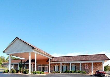 фото Econo Lodge Inn & Suites Downtown 488590970