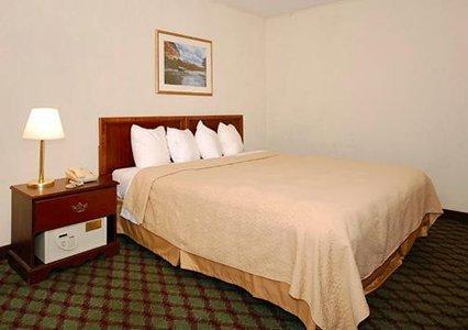 фото Econo Lodge Inn & Suites Downtown 488590972