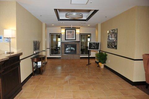 фото Holiday Inn Express Clinton 488593970