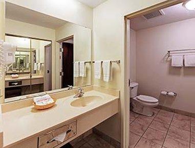 фото Hawthorn Suites by Wyndham Akron/Seville 488598723