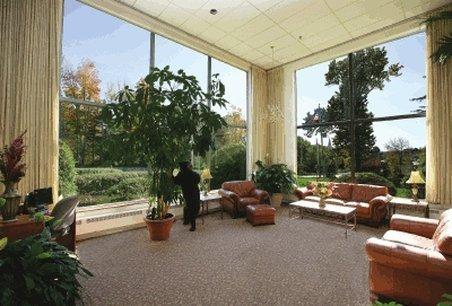 фото University Inn Academic Suites 488603357