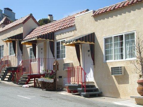 фото The Alpine Inn & Suites 488604460