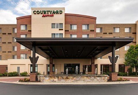 фото Courtyard by Marriott Chicago Schaumburg 488606639