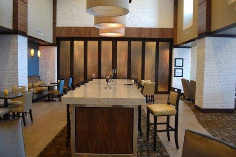 фото Hampton Inn-Suites Edgewood-Ab 488607874