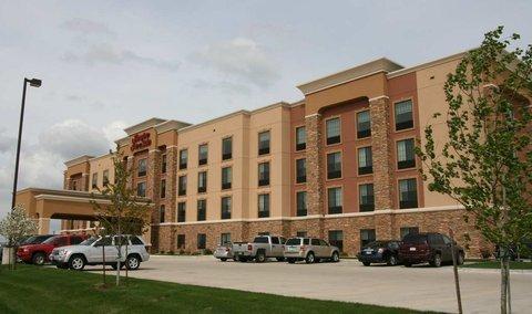 фото Hampton Inn & Suites Watertown 488615459