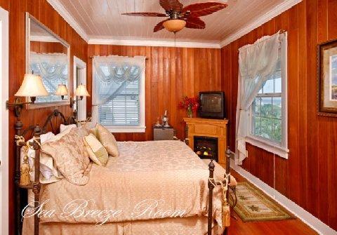 фото Beachfront Bed & Breakfast 488616298