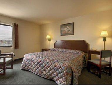 фото Super 8 Motel - Houston/I-10/Federal Road 488626359