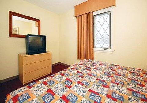 фото Rodeway Inn & Suites Newport News 488632614