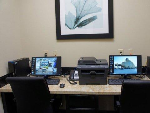 фото La Quinta Inn & Suites Marshall 488634568