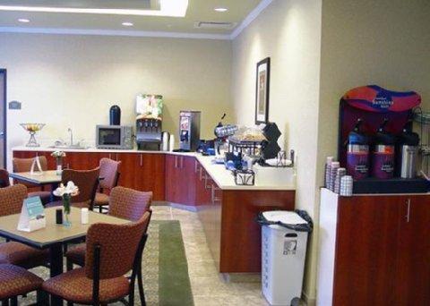 фото Comfort Inn & Suites Creswell 488640081