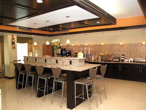 фото La Quinta Inn & Suites Bryant 488643495