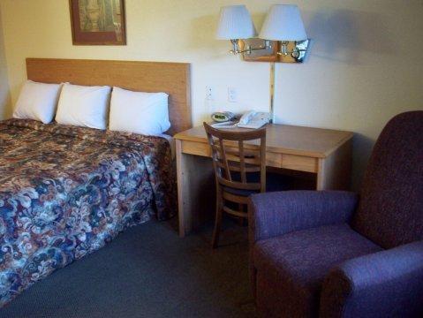 фото Oak Tree Inn Alpine 488644801