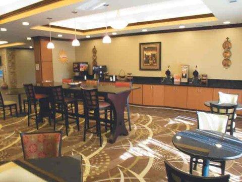 фото La Quinta Inn & Suites Tupelo 488647957