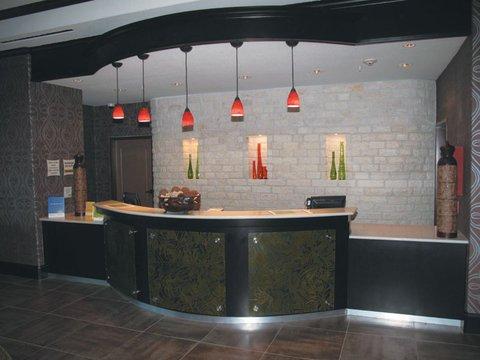 фото La Quinta Inn & Suites Dallas Grand Prairie 488648607