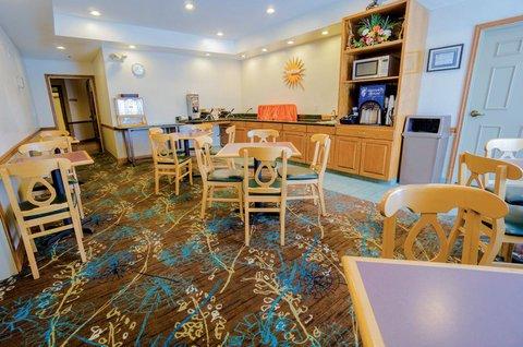фото La Quinta Inn & Suites Rockwall 488649733