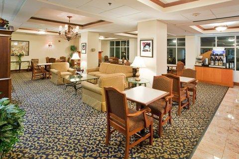 фото Holiday Inn Exp Walterboro 488653804