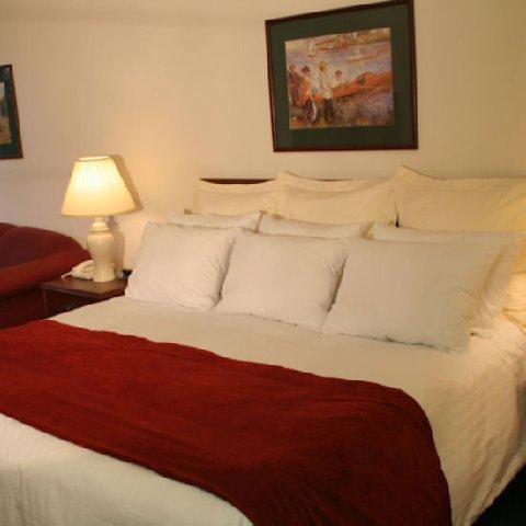 фото The Ashley Inn & Suites 488654755
