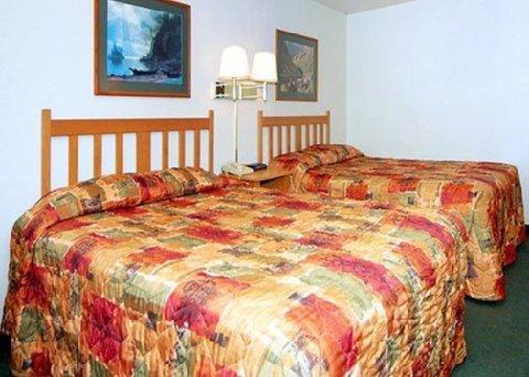 фото Rodeway Inn & Suites 488656063