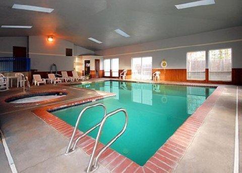фото Rodeway Inn & Suites 488656069