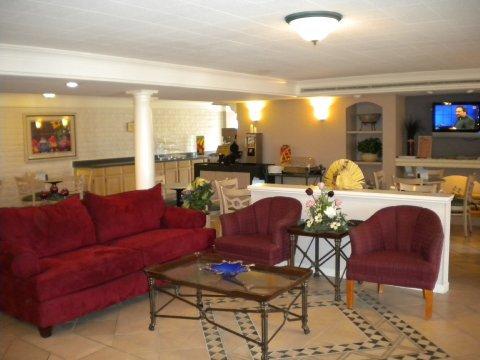 фото Budgetel Inn & Suites 488656914