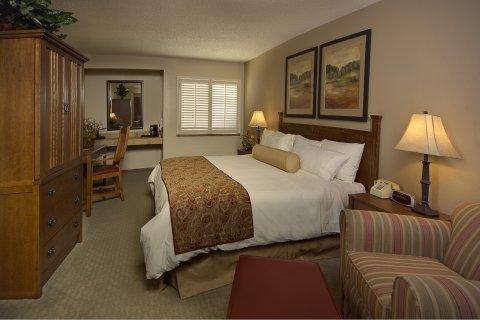 фото Southfork Hotel 488657900
