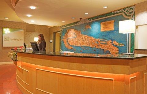 фото Holiday Inn Hotel & Suites Maple Grove Northwest Minneapolis-Arbor Lakes 488663531