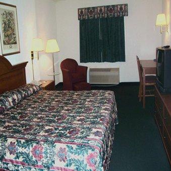 фото All American Inn & Suites - Norwalk 488664182
