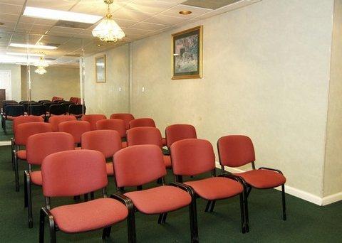 фото Rodeway Inn Crestview 488671041